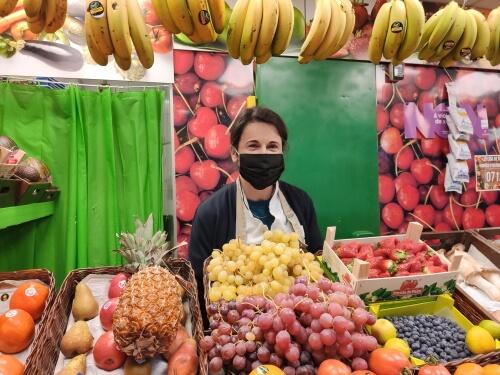 Frutería Olga, en el Mercado As Conchiñas