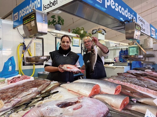 Pescadería Carlos e Isabel en el Mercado As Conchiñas