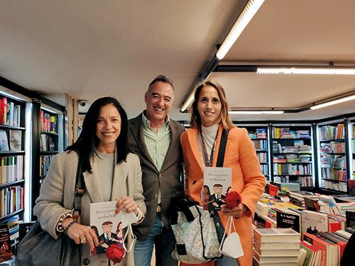 """Chema Paz Gago en la firma del libro """"Desventuras de un seductor"""" en la Librería Couceiro"""